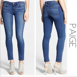 Paige Skinny stretch Mid Rise Jeans size 28
